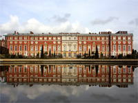 Hampton Court Palace, Surrey (Image: Gail Johnson / flickr)
