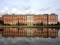 Hampton Court Palace, Surrey (Image: Gail Johnson / flickr)