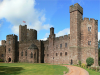 Peckforton Castle, Cheshire (Image: the pepper tree / flickr)