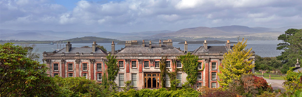 Bantry House and Bantry Bay (Image: Exos Lucius via flickr)
