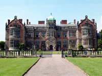 Ingestre Hall, Staffordshire (Image: Langstraat via Wikipedia)