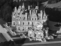 Halton House, Buckinghamshire - detail of photo taken in 1921 (Image: Britain from Above / English Heritage)