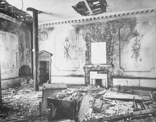 Dining Room, Barlaston Hall, Staffordshire - 1981 (Image: SAVE Britain's Heritage)