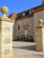 Entrance front, Chitcombe House, Dorset (Image: Stuart Martin Architects)